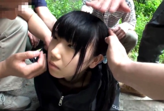 【ロリレイプ動画】これは酷い…借金のカタに父親に売られた小●生、山奥で肉便器にされる【愛須心亜】