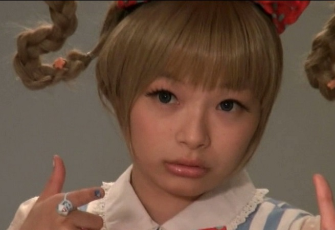 きゃりーぱみゅぱみゅ激似の美10代小娘がアダルトビデオ新人でいきなりマワされるwwww(前田陽菜)