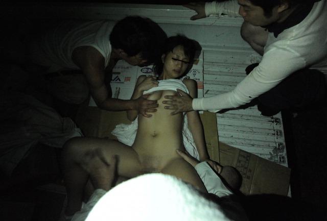これはヤバイ…田舎で一人ぼっちだった無毛少女を山奥に連れ込んで集団レイプ!【野々宮ここみ】