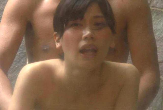 ダンナの命令で他の男を挑発させられ他人棒でイカされる様子を収録されたヒトヅマ