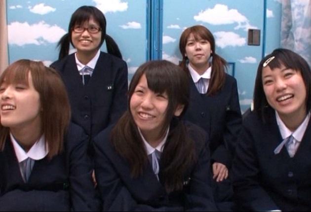 五人中四人が純粋娘☆北海道から来たウブな修学りょこう生がマジックミラー号の罠にハマるwwww