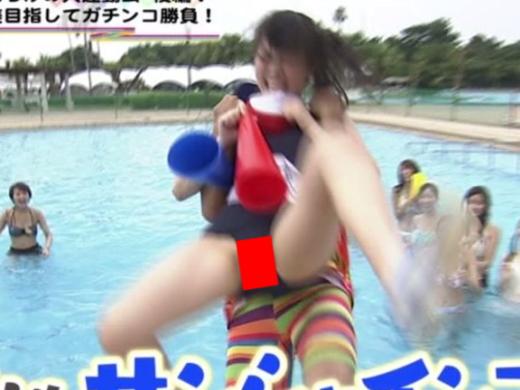 (キャプあり)TVのスクール水着お宝シーン貼ってく → 躍動感全開でハミマンしてる女がいて草wwwwwwwwwwwwwwwwwwwwww