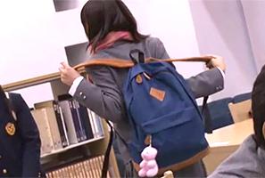 二次試験に向けて図書館で追い込みをかける受験生をレンゾク強姦☆