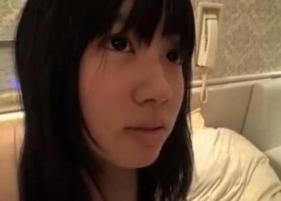 激ヤバ流出☆まだ毛も胸もない思春期10代小娘の円光ムービーが普通にアップされてるんだが…