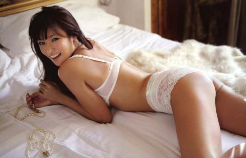 (衝撃速報☆)深田恭子(33)ぬーどが11月発売の女性誌に掲載☆?⇒既に収録済み…ピンクのチクビが…
