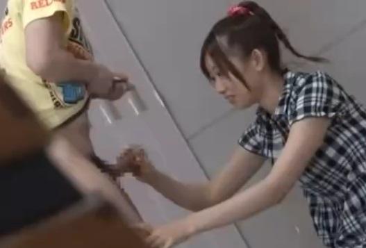 170cmという高身長のせいで虐められたJS10代小娘が学校のBOYを怒りの逆強姦☆(稲川なつめ)