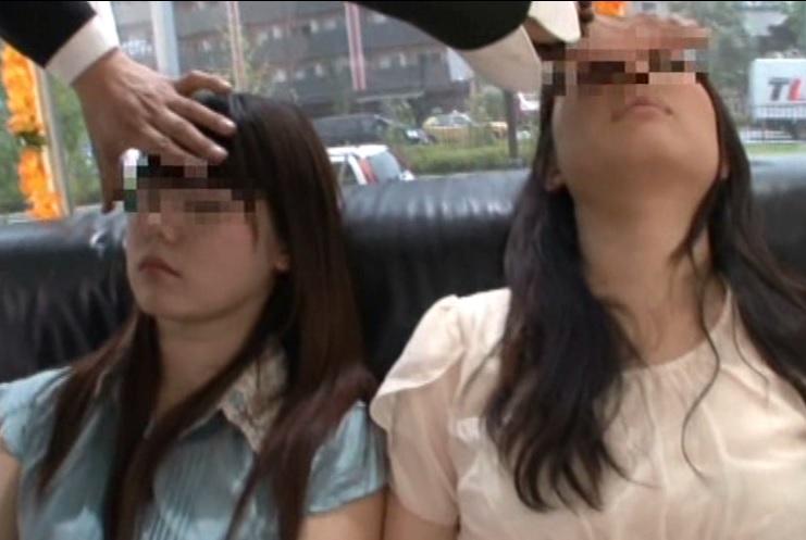 (マジックミラー号)『あなたの耳がクリトリストリスになります…』キャッチした女子大学生に催眠術をかけてコリコリした結果wwwwww