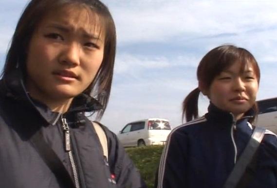 (センズリ鑑賞)『芸人さんのネタを見てもらえませんか?』部活帰りの10代小娘たちに声をかけてちんこ芸を見せた反応wwwww