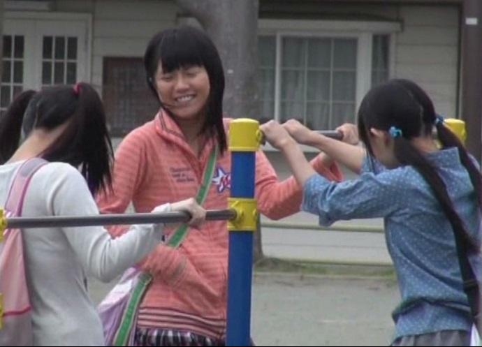 【閲覧注意】子供だけで遊んでるJS3人を山奥に拉致!ボロクソに輪姦してる衝撃映像