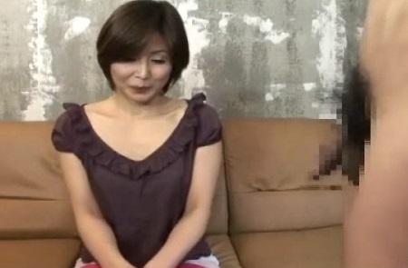 『主人のものしか見た事なくて…』SEXレス半年の38才ヒトヅマが初めてのセンズリ鑑賞をした結果wwwww