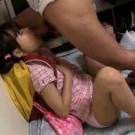 風俗に行く金がないから…貧乏家族の性の捌け口にされた小●生女児の日常がこちら
