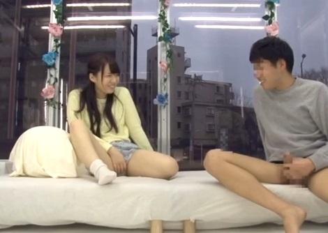 (マジックミラー号)女親友のガチおなにーを目の前に即ボッキ☆賞カネ5萬円のために親友同士の男女が相互おなにーをした結果…