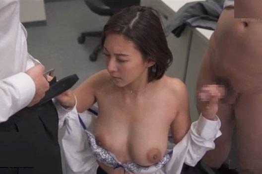 優秀すぎてダメ店員に妬まれた女性部長が罠にハメられ肉便器に…(松下紗栄子)