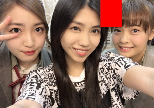 (※いじめ※)AKB48田野優花がSNSに投稿した写真に着替え中のパン一メンバーが映ってると話題にwwwwwwwwwwwwwwww(写真あり)