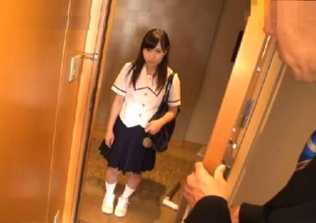 卒業する方法がある…担任に言われてHOTELにやって来た女子JCが大人達に輪姦された一部始終
