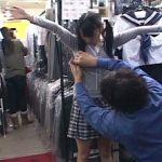 学校指定の制服店に採寸に来た新1年生が試着室でレイプされた一部始終…