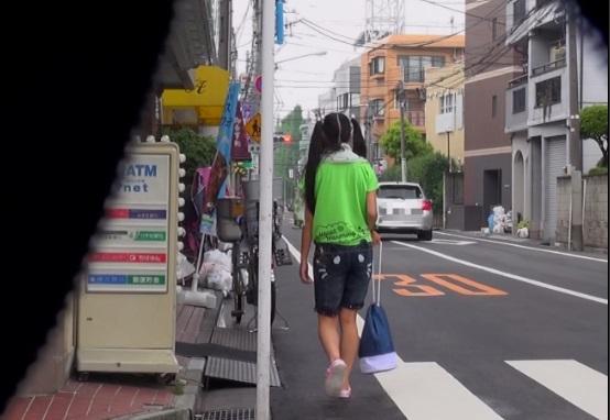 【個人撮影】流出映像!学校のプール帰りの日焼け少女を狙った連続レイプ事件