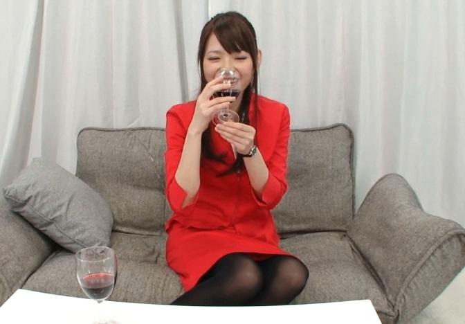 (マジックミラー号)正攻法では絶対に股を開かないキャビンアテンダントさんを「利きワイン」でベロベロにした結果wwwwwww