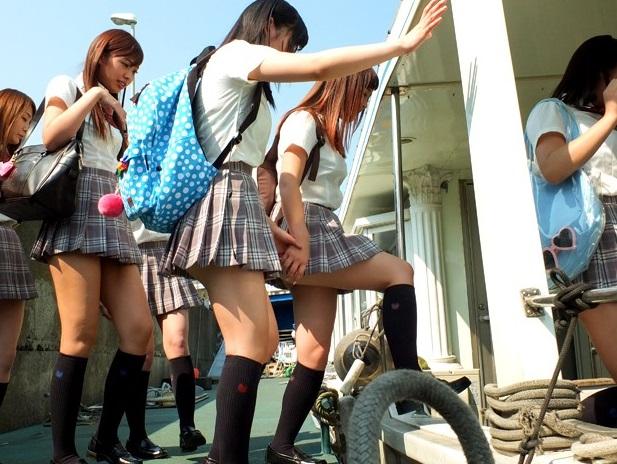 卒業記念に10代小娘7人組を豪華クルーザーにご招待☆大人達に騙されて船上大乱交パーティーに強制出席させられるwwwwwwwww