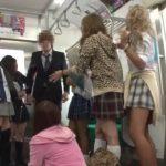 【逆レイプ】『東京の男だって!脱がしちゃえ!』ド田舎の電車を占拠する地元のヤンキーに捕まって…