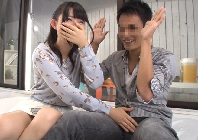(シロウトキャッチ)マジックミラーの向こうには大好きな彼が☆『彼の親友とナカ出し1発10萬円』を恋人にH交渉した結果wwwwww