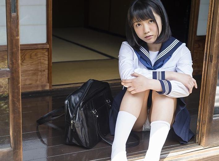 (戸田真琴)『先輩…私とセックスしませんか?』真面目な生徒達会副会長の一言から始まった忘れられない夏休み