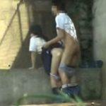 【個人撮影】凄い場面に遭遇!高●生カップルが下校途中に隠れてセックスしてるwwwwwwww