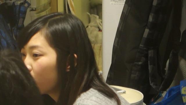(秘密撮影)カワイい女子大学生が彼の家でSEXしてる様子を窓の外から収録したガチっぽい映像が流出wwww
