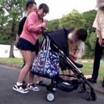 【素人】公園でベビーカーを押してる無防備な新米ママさんにいきなり後ろからチンポをぶち込む鬼畜映像!