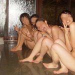 【悲報】SNSで大誤爆www流出した女子校の修学旅行写真がエロ過ぎるwwwwwww