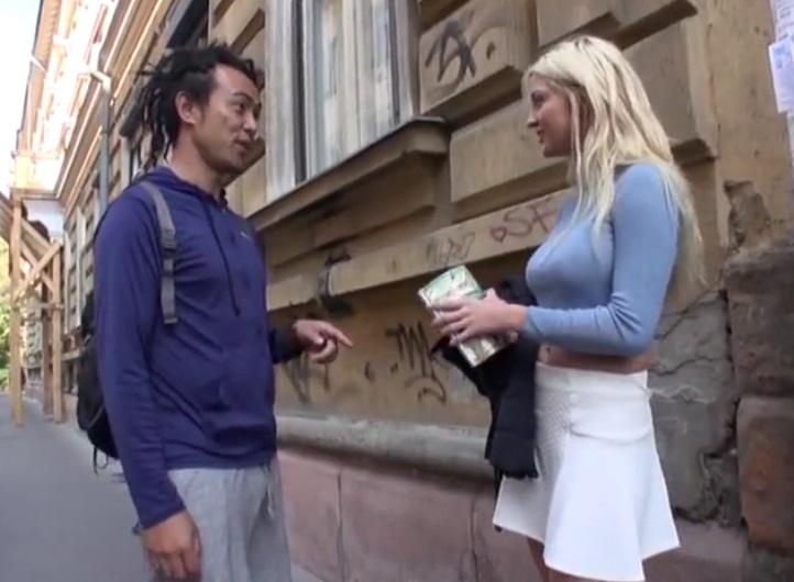 【海外出張ナンパ】街行くロシアの金髪爆乳美女にSEX交渉したらまさかの即OK!ホテルに直行して中出ししたったwwww||素人,企画,中出し,美女,外国人,ナンパ,巨乳,金髪,ロシア人,爆乳
