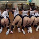 クラスの女子を『チンポが大好きになる』集団催眠で肉便器に!放課後の教室で男子みんなで中出し乱交wwww