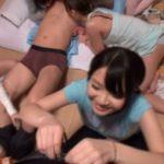 【乱交】卒業旅行でキャンプ場に来た女子校生7人がハメを外して地元民と乱痴気騒ぎwww