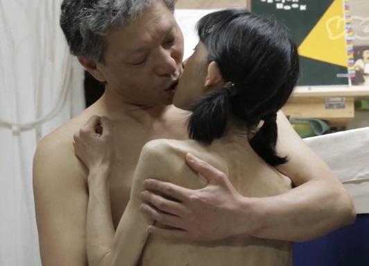 専門のトレーナーが人妻(OL)を映画館で淫乱 【実録・生撮り】
