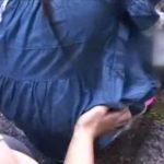 夏休みでラジオ体操に来ていた小●生を神社の死角でレイプしてる衝撃映像…