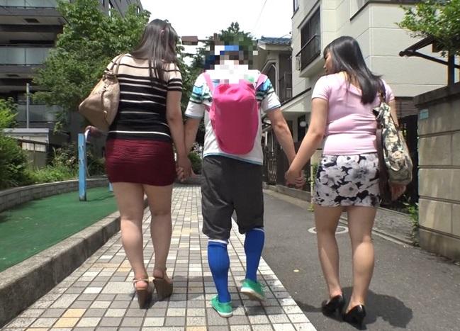 【おねショタ】『一緒にお風呂入ろうね!』巨乳叔母さんと友人の爆乳お姉さんと行った1泊2日温泉旅行で狙われた少年チンポ…