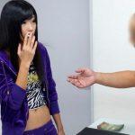 【盗撮】クソ生意気なヤンキー娘のクリトリスを狙う足立区のマッサージ店wwwww
