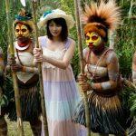 【橘花音】日本人女性が異文化交流と称してパプアニューギニア原住民の童貞筆おろしに挑戦wwwww