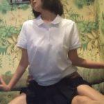【個人撮影】学校帰りに寄ったカラオケ個室でDQN男のチンポに跨って肉便器にされてるJKのハメ撮り流出!