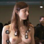 【目の保養】乳首丸出しのフルヌード!まさかのNHKが放送した映像がこちらwww