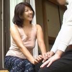 【昭和】夫が仕事に行った隙に近所に住む若い男を連れ込んでSEXをしまくるモンペ妻