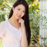 食レポが大人気だった地方局の元女子アナがまさかのAVデビュー!