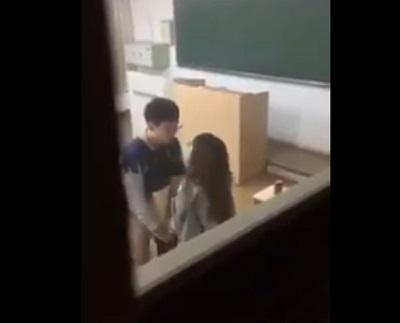 【ガチおねショタ】女教師が教え子の男子中●生と教室でSEXしてる一部始終がネット流出!