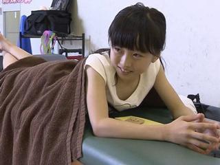 推定Bカップ!本田望結ちゃん(14)が何かもう抱けそうな身体になってると話題にwwww