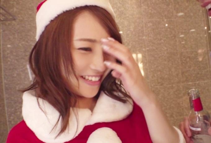 【素人ナンパ】彼氏がいない女友達同士でクリスマスイベントにきてた美女2人を酔わせてハメたった一部始終w
