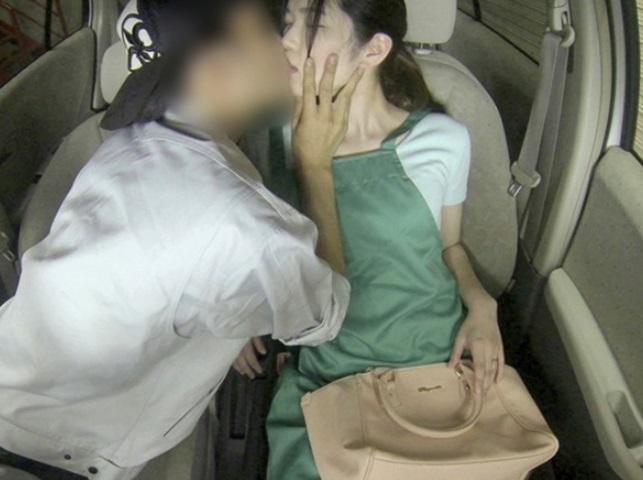 【ドラレコNTR】車載カメラにウチの妻がパート先のバイト少年とセックスしてる姿が映ってたんだが…