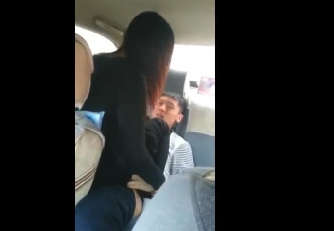 【個人撮影】『公園で遊んでる男子中●生を車内に連れ込んで彼女に筆おろしさせてみたw』彼氏が撮影した本物おねショタ動画
