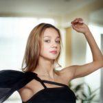 【大炎上!】ロシア新体操金メダル美女。富裕層のパーティーでの全裸開脚ショーが世界に拡散!