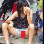 【街中盗撮】奇跡の1枚!偶然カメラに映った素人女子の乳首&マンコ画像30枚!