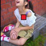 【胸チラ盗撮】貧乳すぎて浮きブラから乳首が見えちゃった素人女子画像35枚!